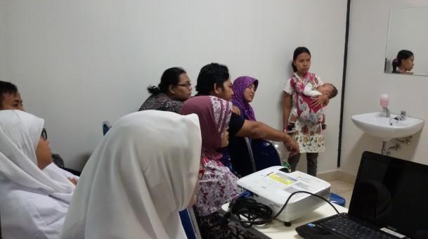Kelas EdukASI Rumah Sakit Universitas Airlangga bersama AIMI JATIM (Asosiasi Ibu Menyusui Indonesia Jawa Timur)