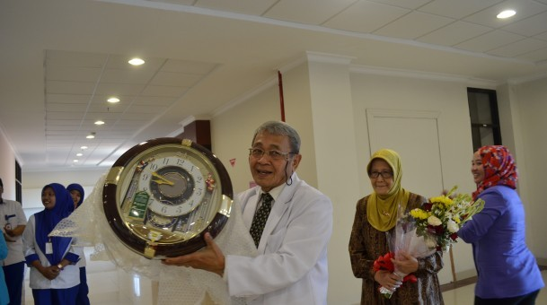 Perayaan Ulang Tahun Direktur Keuangan Rumah Sakit Universitas Airlangga