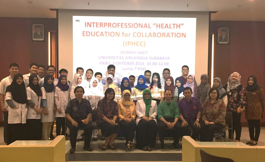 Para mahasiswa peserta IPHEC beserta dosen pembimbing.
