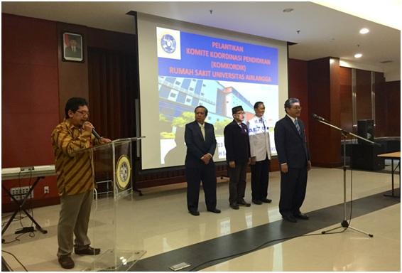 Pembacaan SK Direktur RS UNAIR oleh Kepala Tata Usaha RS UNAIR Drs. Basuni., MM.