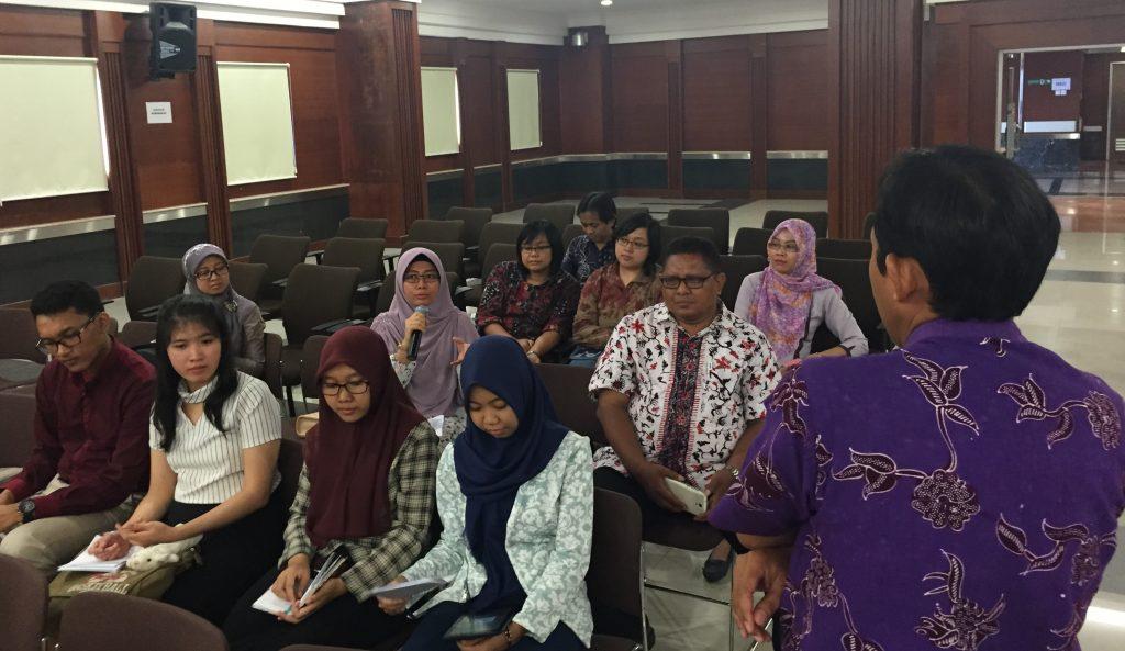 Setelah pemaparan kasus dilanjutkan diskusi oleh masing-masing mahasiswa sesuai profesi dibawah bimbingan dosen pembimbing masing-masing.