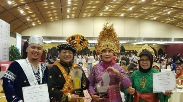 RS UNAIR BOYONG TIGA PENGHARGAAN DALAM AHMA 2019 DI VIETNAM